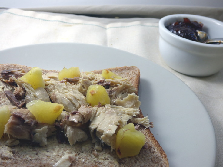 Canned mackerel sandwich with baked apple from busylizziecooks.com