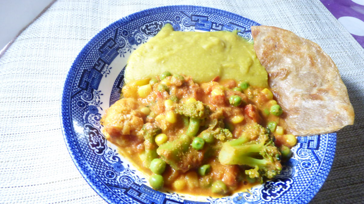 Easy Frozen Veg Masala with Dal and Chapati