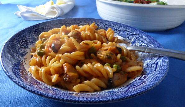Spanish style mussel pasta