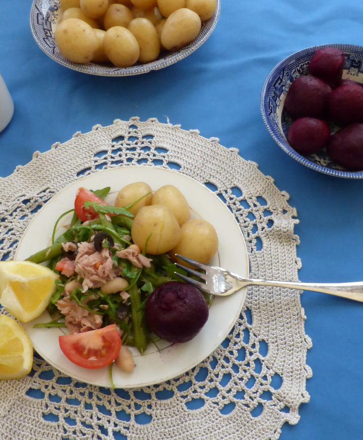tuna beetroot salad with beans