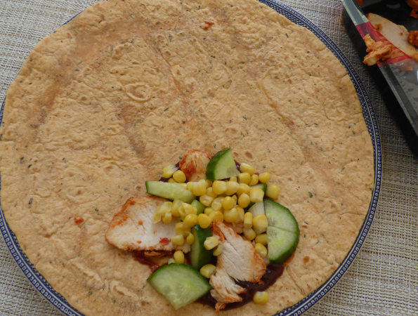 barbecue chicken wrap filling demonstration