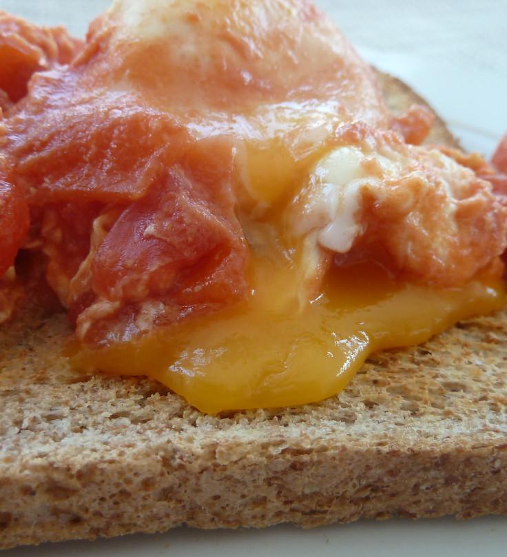 spiced-tomato-baked-eggs-closeup