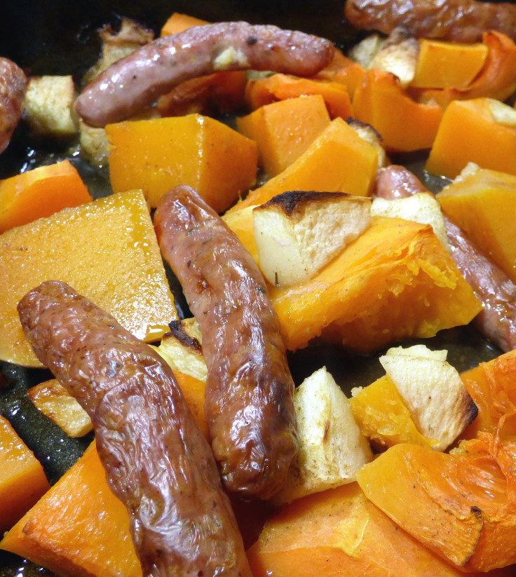Easy spiced sausage and squash bake in the cooking tray, from grubdujour.com